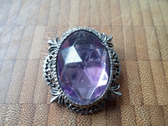 Vintage Mirror Back Amethyst color stone Pin Brooch Art Deco Style setting Pierced Filigree Stunning color and chic design