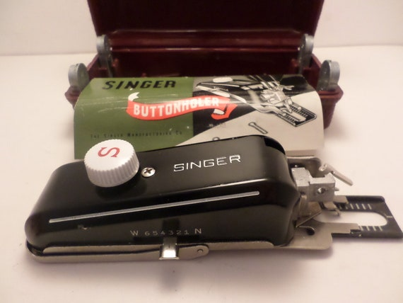 Vintage Singer Sewing Machine BUTTONHOLER attachment in orig box #160743