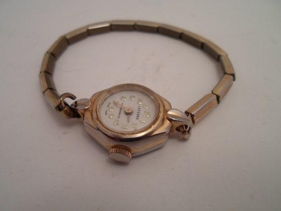 Antique Vintage Art Deco Lucerno Ladies Wrist Watch Mechanical Gold Tone Swiss Made