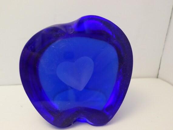 Vintage Cobalt blue heart art glass paperweight