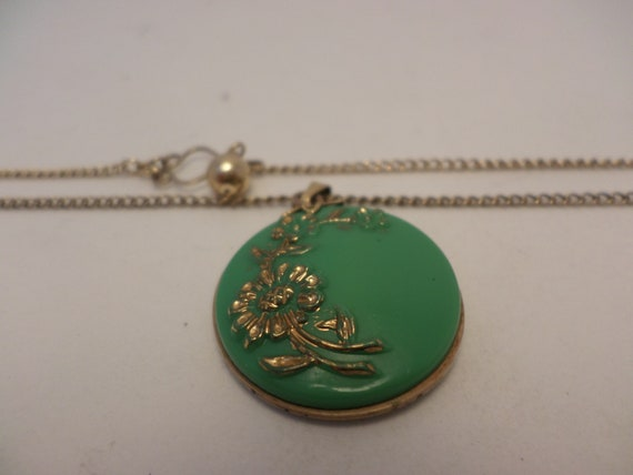 lovely vintage 40's green glass gold leaf painted pendant on 1/20 12 kt gold fill necklace darling