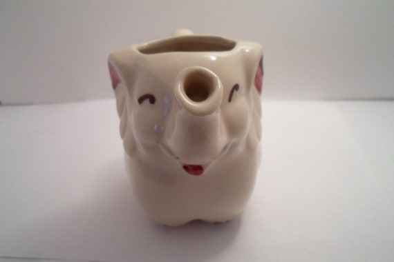 Vintage Shawnee usa Elephant Milk pitcher Creamer Estate Find Indiana Farm Fresh