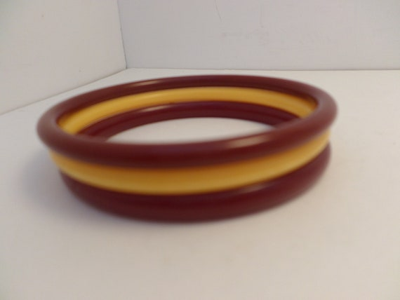 vintage plastic bangles dark red 2 tones yellow 60's
