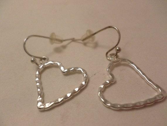 super cute vintage 90's hammered floating heart sterling earrings