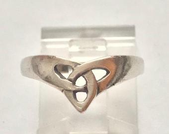 Vintage Sterling Silver Petite Celtic Knot Ring Size 7 Irish
