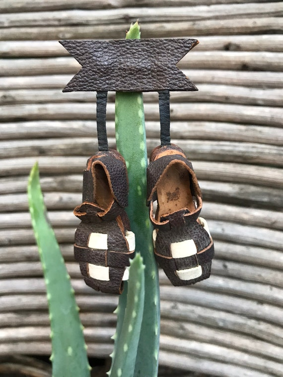 1940's Vintage Leather Huarache Sandals Pin/Brooch