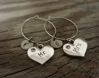Mr and Mrs Wine Glass Charm - Wine Charm - Wedding Wine Glass Ring Charm - Mr and Mrs Gift - Wedding Day - Initial