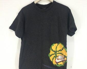 Nike Barkley 34 overprint t shirt