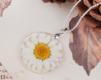 Daisy Pendant   Daisy Charm   FREE CHAIN   Daisy Jewelry   Gift for Daisy Lover   Gift for Mom
