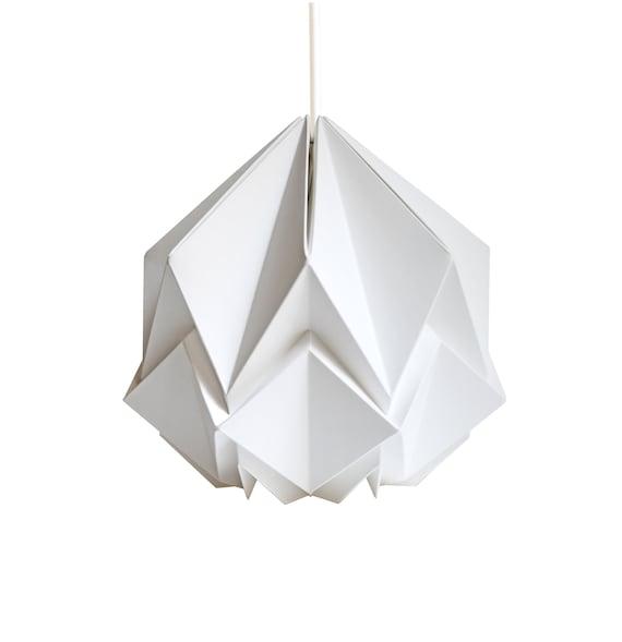 snow+flakes+origami.gif 650×943 pixels | Snowflake origami ... | 589x570