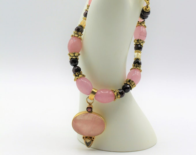 Rose quartz pendant beaded necklace, plus size pink choker, colorful statement necklace, pink and gold necklace, multi gem accessory