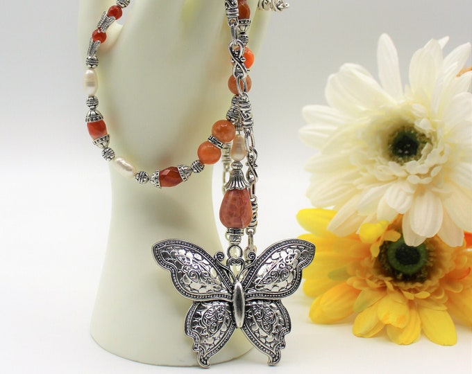 Butterfly pendant agate Y necklace, beaded long statement necklace, fall colors elegant accessory, unique gift for her