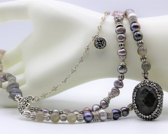 Gray pendant beaded necklace, labradorite multi strand necklace, pearl and gem statement necklace, elegant women accessory, gift for her