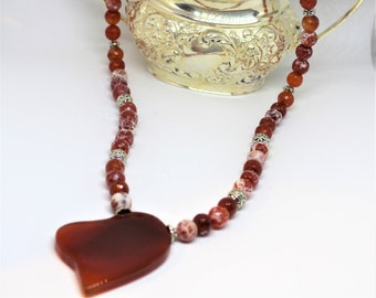 Heart pendant necklace, red agate heart necklace, beaded necklace, red necklace, gift for her, agate necklace, statement necklace