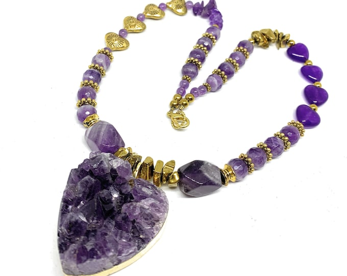 Raw amethyst heart pendant necklace, purple amethyst beaded necklace, unique Valentine's Day gift, plus size choker