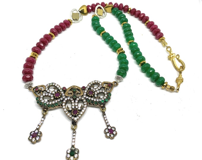 Emerald and ruby jewel statement necklace, Valentine's day gift, Christmas colors beaded necklace, heart motif bridal accessory