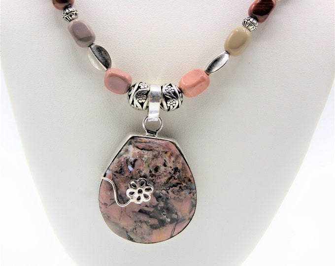 Jasper pendant beaded necklace, Mookaite infinity necklace, pink blush long necklace, elegant everyday accessory, unique gift for her