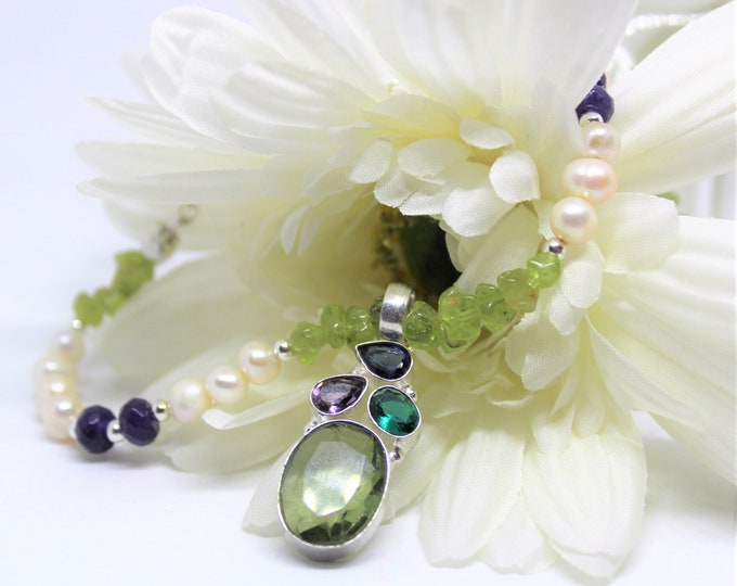 Peridot and gemstone beaded necklace, multi color necklace, multi stone pendant necklace, colorful accessory, unique gift idea for her