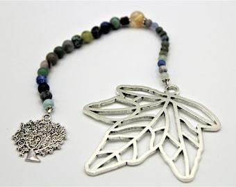 Unique bookmark, beaded bookmark, leaf motif bookmark, book lover gift, nature motif bookmark, book accessory, gift for dad