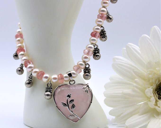 Pink heart pendant beaded necklace, rose quartz heart and pearl necklace, Valentine's day gift, plus size pink choker
