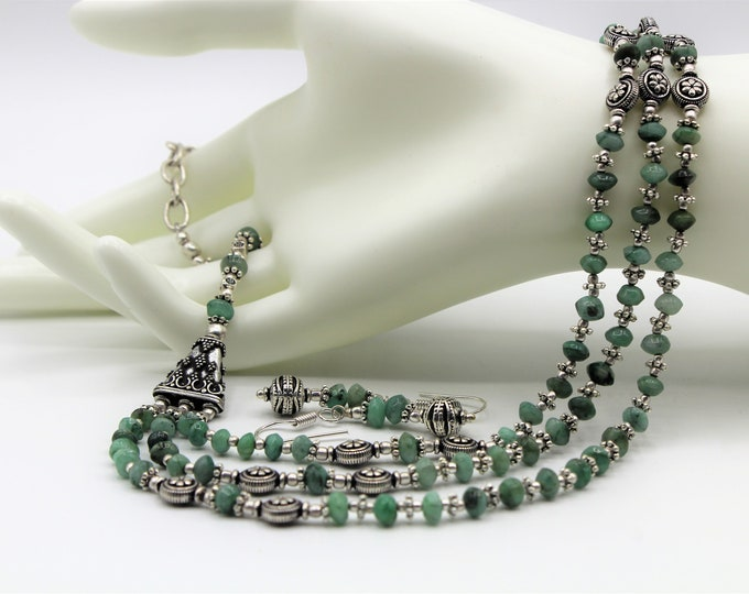 Raw emerald beaded necklace set, green multi strand necklace set, elegant statement two piece set, special jewelry set gift for women