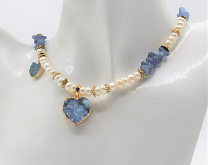 Double hearts pendant beaded necklace,Druzy agate heart necklace, blue kyanite and pearl necklace, Valentine's Day gift,unique gift for her