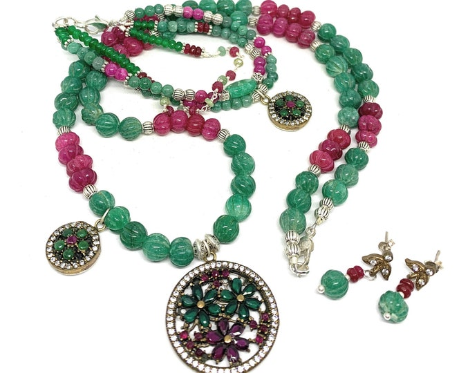 Beaded emerald and ruby necklace, bracelet and earrings set, natural gem three piece statement set, glamour emerald and ruby floral set