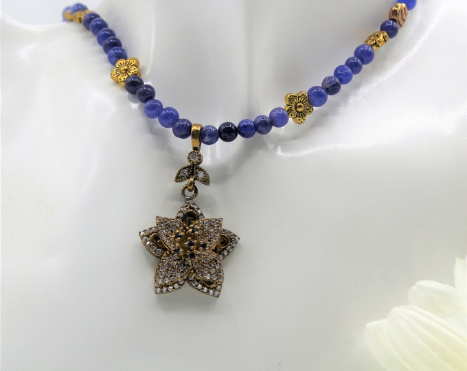 Natural blue sapphire beaded necklace, unique flower jewel pendant necklace, perfect bridal accessory, wedding accessory, plus size choker