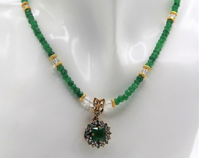 Emerald beaded necklace, emerald pendant delicate choker, colorful necklace, elegant gift for her, unique natural gemstone accessory