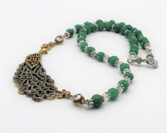 Natural emerald beaded necklace, Peacock jewel pendant necklace, Elegant statement necklace, Bridal accessory, glamorous emerald accessory