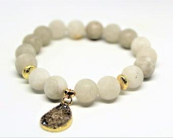 Druzy charm bracelet, matte agate beaded bracelet, gemstone stacking bracelet, unique gift idea for her, elegant accessory