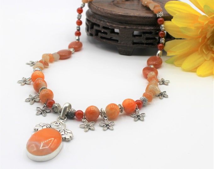 Fall colors floral beaded necklace, agate pendant necklace, orange statement necklace, colorful accessory for women, unique gift for her