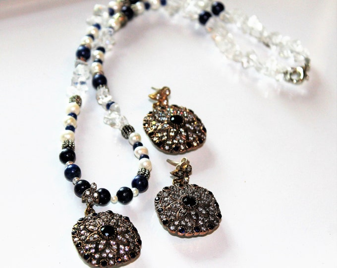 Blue sapphire and pearl beaded set, bridal elegant set,sapphire necklace and drop earrings, jewel pendant and earrings, elegant glamour set
