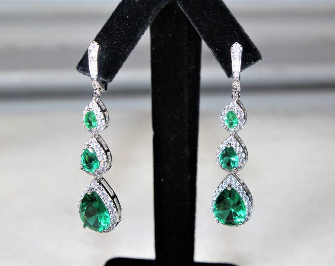 Green topaz dangle earrings, glamour dangle earrings, unique drop earrings, elegant accessory, bridal accessory, unique gift idea for her