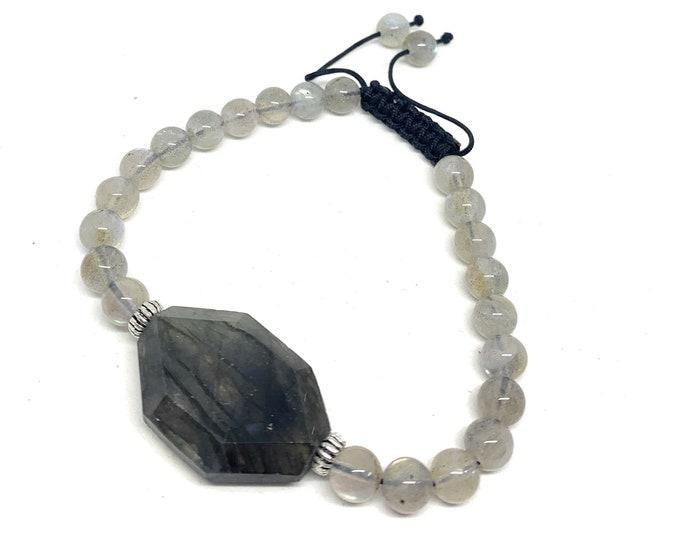 Gray labradorite beaded bracelet, gray gemstone macrame bracelet, natural gemstone stacking bracelet