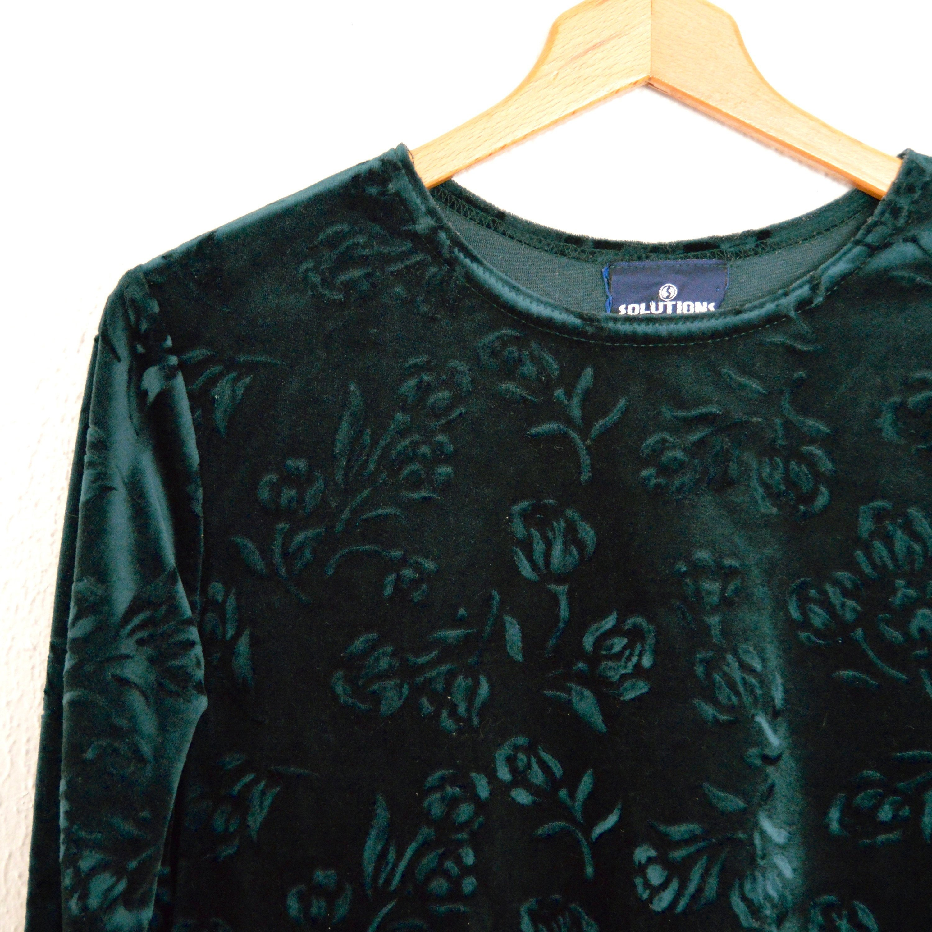 7b9621851d212 Green Velvet Shirt Womens Floral Velvet Long Sleeve Blouse