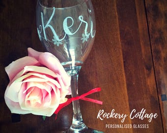 2 personalised wine glasses, couple wine glasses, hand engraved glasses, gifts for couples, personalised engraved glasses, wine gifts,