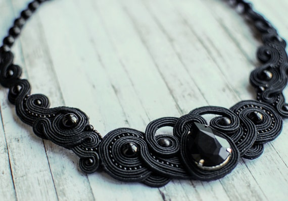 Soutache statement necklace with natural gemstone agate
