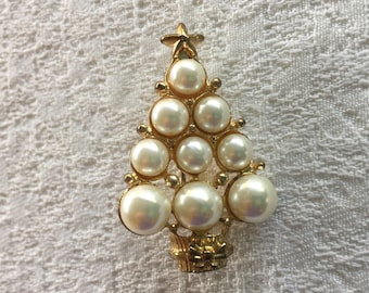 Vintage Gold Tone and Faux Pearl Christmas Tree Brooch