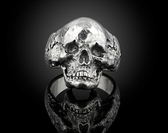 Sterling silver anatomical skull ring