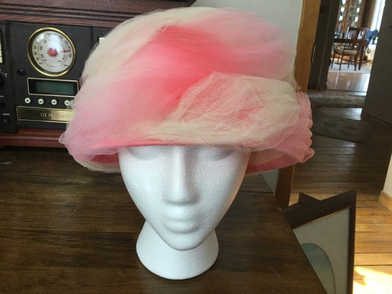 Vintage Hat with Swirls of Pink Tuille * Original… - image 1