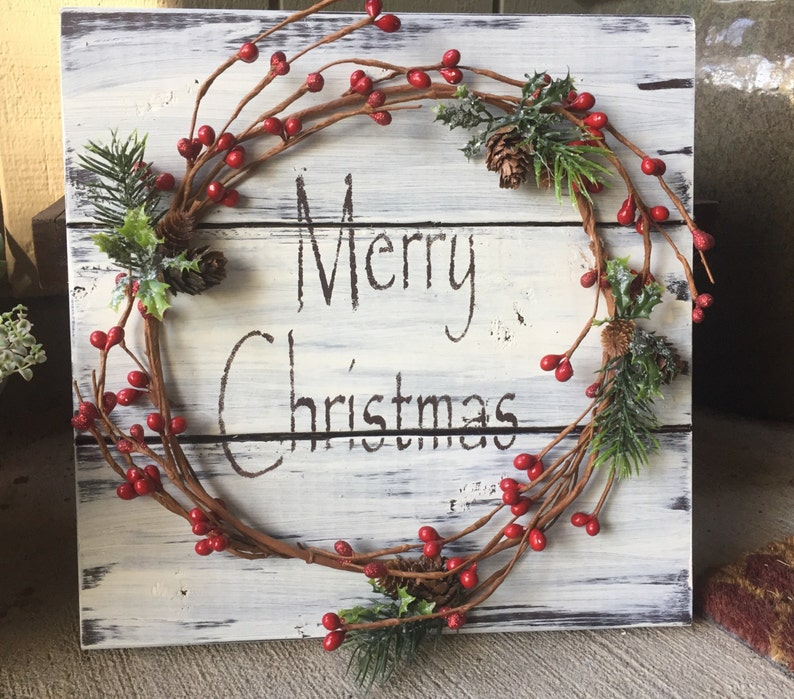 Rustic Christmas Winter Wood Pallet Sign W Berry Garland Pine Conesmerry Christmas Stencil Christmas Decor Christmas Decoration