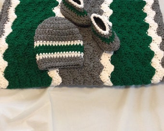 Philadelphia Eagles baby afghan set with matching hat and booties. Green and gray baby afghan set. Ready to ship.