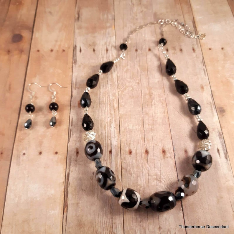 Dzi Bead Agate Necklace and Earring Set