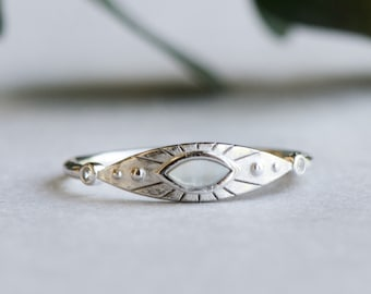 Sterling Silver Marquise Ring, Mother of Pearl Ring, 925 Sterling Silver Ring, Boho Ring, Signet Ring, Rose and Choc Ring