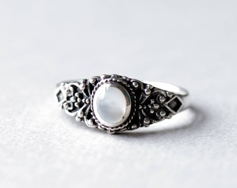 Mother of Pearl Ring, Oval Ring, Boho Ring, 925 Sterling Silver Ring, Art Deco Ring B1
