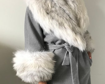 986c8d13b Stylish cashmere coat natural arctic fox fur