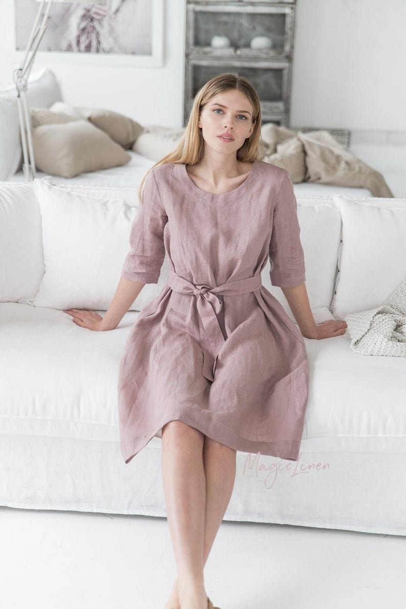 MagicLinen Linen dress with belt VENEZIA. Various colors. Come discover lovely European Country Bespoke Linen for Home & You! #europeancountry #interiordesign #linen #handmadelinens #linenclothing #linendecor #homedecor