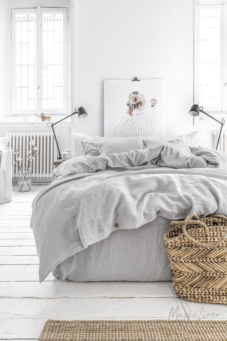 Linen bedding set in Light Gray. King / Queen linen duvet