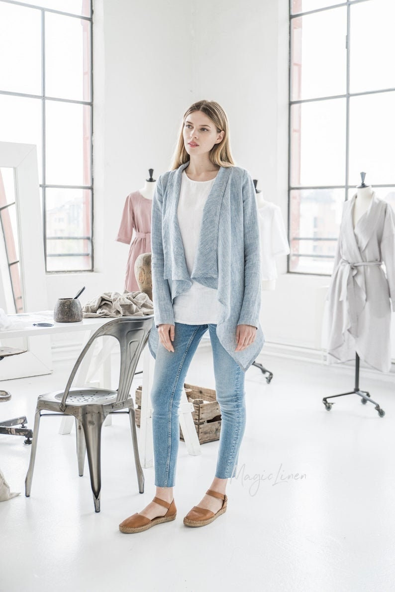 Long sleeve linen cardigan GILI. Loose-fit front drape